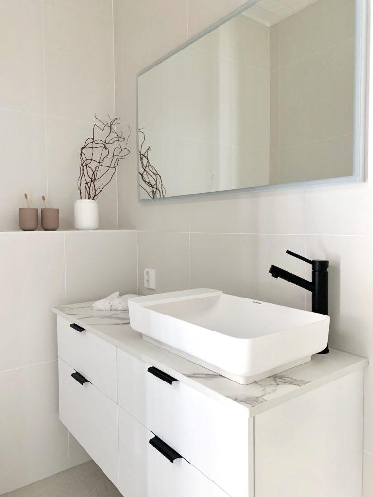 Kylpyhuoneen suunnittelu, Finnlog Hetena, Tuusulan Asuntomessut, sisustus Heli Virtanen, Iloa360